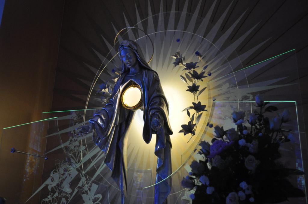 ADORACJA PANA JEZUSA W NAJŚWIĘTSZYM SAKRAMENCIE, PIĄTEK, 01 PAŹDZIERNIKA 2021 R., GODZ. 18:00 - 19:00